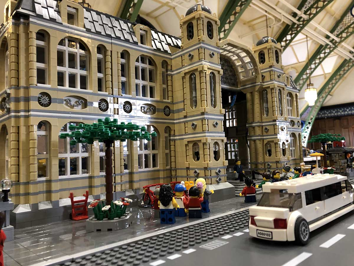 LEGO displays